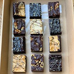 Signature fudge brownies box thumbnail