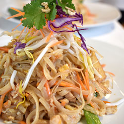 Chicken Pad Thai salad thumbnail