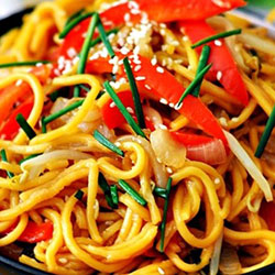 Hokkien noodles with crisp vegetables salad thumbnail