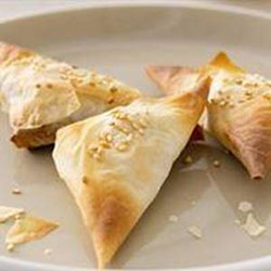 Spinach and ricotta crisp parcels thumbnail