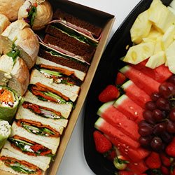 Sandwich and fruit lunch package thumbnail
