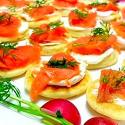 Smoked salmon blinis thumbnail
