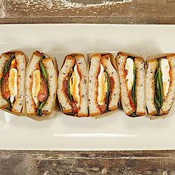 Gluten free vegetarian breakfast sandwich thumbnail