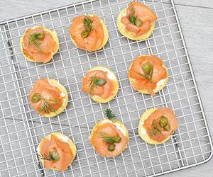 Smoked salmon pikelets thumbnail