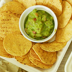 Corn chips with guacamole - 100g thumbnail