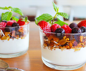 Yoghurt and granola cups - 200ml thumbnail