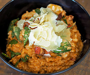 Creamy tomato and chicken risotto thumbnail