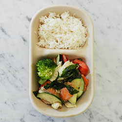 Green curry chicken with rice thumbnail