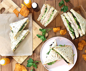 Sandwich and sweet lunch package thumbnail
