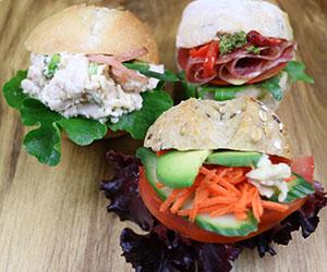 Premium dinner rolls thumbnail
