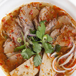 Spicy beef noodle soup thumbnail