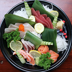 Sashimi medium platter - serves 4 thumbnail