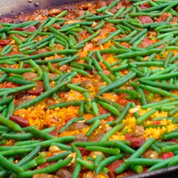 Paella con Tres Carnes thumbnail