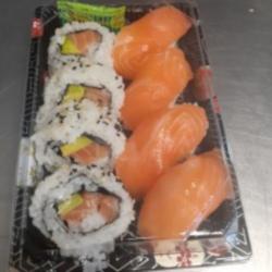 Sashimi and reverse roll box thumbnail