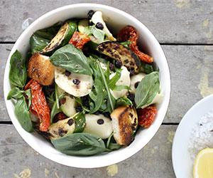 Zucchini, tomatoes, basil and mozzarella thumbnail