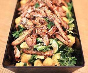 Teriyaki chicken and broccoli salad thumbnail