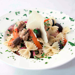 Farfalle and tuna thumbnail