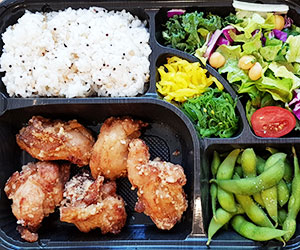 Karaage chicken bento box thumbnail