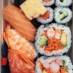 Mixed sushi sashimi thumbnail