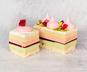 Pistachio and rosewater cake thumbnail