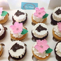 Melbourne Cup themed cupcakes thumbnail
