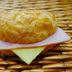 Ham and cheese croissant - mini thumbnail