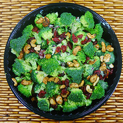 Broccoli, cranberry and cashew nut salad thumbnail