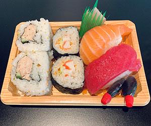 Chef's selection sushi box thumbnail