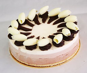 Triple chocolate cake - 24 cm - serves up to 14 thumbnail