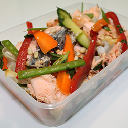 Salmon and crunchy Asian salad thumbnail