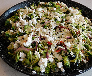 Greek broccoli and feta salad thumbnail