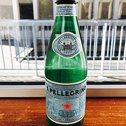 Sparkling mineral water thumbnail