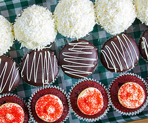Gluten free cupcake box thumbnail