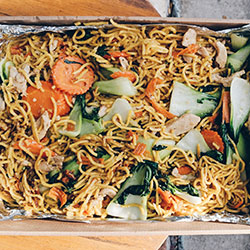 Stir fried noodles with tofu thumbnail