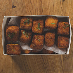 Mac and cheese croquettes thumbnail