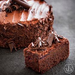 Chocolate raspberry fudge cake thumbnail