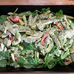 Chicken and penne pesto pasta thumbnail