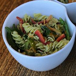 Chicken pesto pasta salad thumbnail