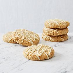 White chocolate macadamia cookie thumbnail