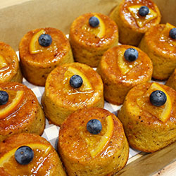 Orange and almond semolina cake box thumbnail