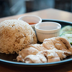 Hainanese chicken rice thumbnail